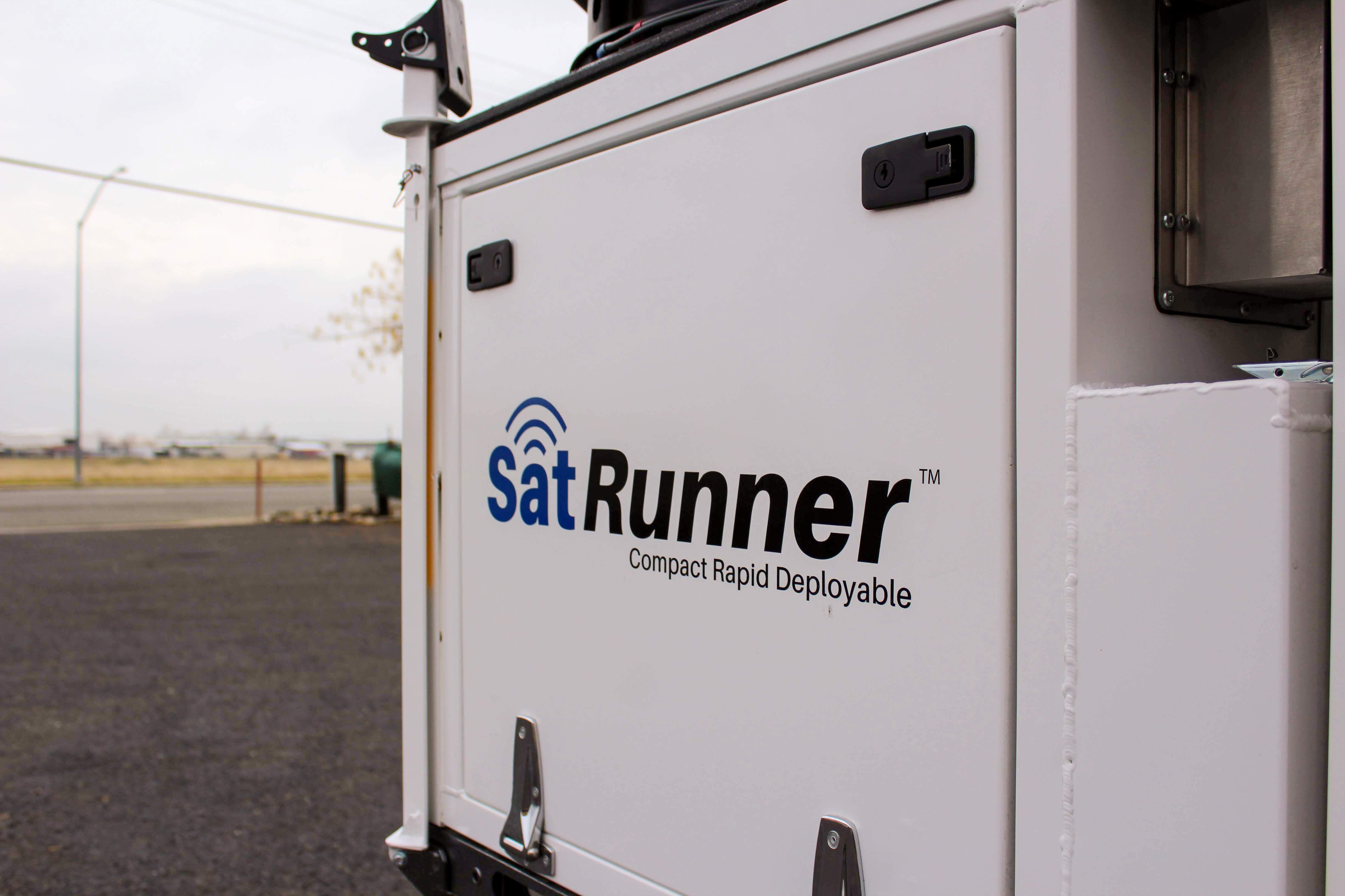 SatRunner Logo